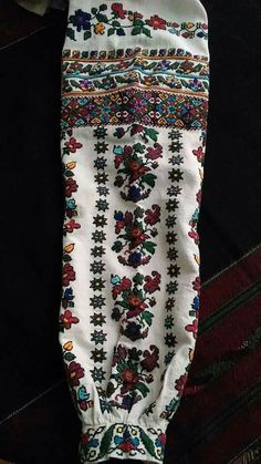 кіцмань,1910р Tambour Embroidery, Floral Tie, Ukraine, Needlework, Sewing, Pattern, Fabrics, How To Wear, Traditional