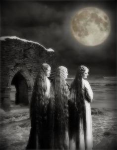 the power of three, Maiden Mother Crone