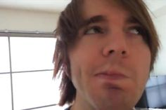 his dimple omggg pic.twitter.com/SVkAeM2ZnC