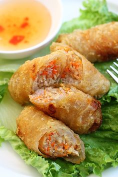 The best Vietnamese spring rolls (Cha Gio) recipe. These crispy fried Vietnamese rolls are crispy with ground pork filling and served with a dipping sauce. Think Food, I Love Food, Good Food, Yummy Food, Cha Gio Recipe, Easy Asian Recipes, Ethnic Recipes, Easy Japanese Recipes, Vietnamese Spring Rolls