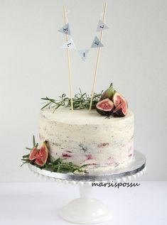Marsispossu: Rosmariinein ja viikunoin koristeltu naked cake