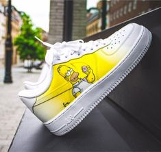 Pin de 💯 🏀 ballislife 🏀 💯 em air force 1 nike shoes, shoes s Custom Painted Shoes, Custom Shoes, Nike Air Shoes, Sneakers Nike, Nike Air Force, Sneakers Fashion, Fashion Shoes, Cheap Fashion, Fashion Men