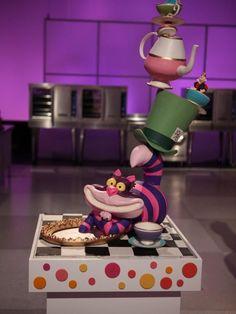 5 star Vanilla Bean Cake recipe from Cake Wars via Food Network Strawberry Buttercream, Buttercream Filling, Strawberry Filling, Chocolates, Vanilla Bean Cakes, Frozen, Cocktail, Lemon Curd, Cake Pans