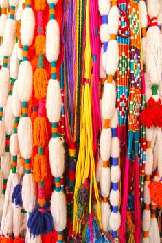 Weaving Projects, Diy Craft Projects, Boho Diy, Bohemian, Hippy Room, Caterina, Textile Fiber Art, Macrame Art, Fabric Jewelry