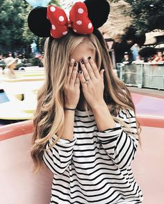 Really want a picture like this in Disneyland Style Disney, Disney Dream, Disney Love, Disney Magic, Disneyland Outfits, Disneyland Photos, Disney Outfits, Disneyland Photography, Disneyland Trip