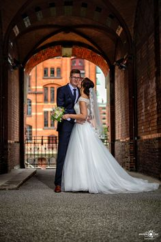 Wedding Couple at Hamburger Speicherstadt - Germany ! Thanks for the nice photoshoot :D