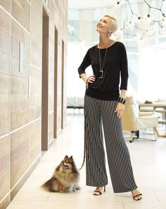 Striped Wide Legged Pants Outfit for Women Over 50 Over 50 Womens Fashion, Fashion Over 50, Fashion Top, Fashion Women, Casual Outfits, Fashion Outfits, Fashion Trends, Chicos Fashion, Fashion Looks