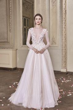 Ivy Wedding Gown #IvyWeddingGown #OtiliaBrailoiuAtelier #weddingdress #AnUntoldPoem