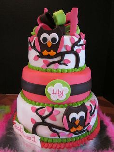Lily's Whooos 1 This cake was done to match the decor of the party. All fondant. I hand cut and assembled the owls. I LOVE this cake. Twin Birthday Parties, 1st Birthday Cakes, Birthday Ideas, Birthday Fun, Owl Cakes, Bird Cakes, Fancy Cakes, Cute Cakes, Yummy Cakes