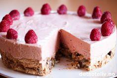 Bringebæriskake Pudding Desserts, Something Sweet, Cheesecake, Ice Cream, Baking, Food, Cakes, No Churn Ice Cream, Custard Desserts