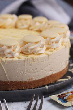 Milkybar Cheesecake! - Jane's Patisserie Banana Cream Cheesecake, Triple Chocolate Cheesecake, No Bake Lemon Cheesecake, Cheesecake Recipes, Dessert Recipes, Dessert Ideas, Cake Ideas, Baking Recipes, Chocolate Apples