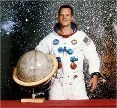 Bill Paxton, Apollo 13, 1995 Apollo 13, Burt Reynolds, Michael Jackson, Scooby Doo, Actors, Movies, Art, Stars, Singers