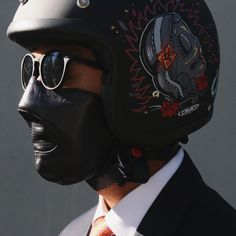 A stylish mask by Holler&Hood Built For Speed !!