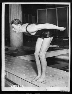 Johnnie Weismuller Hollywood Actor, Classic Hollywood, Old Hollywood, Water Time, Esther Williams, Spiritual Connection, Tumblr Boys, Sports Pictures, World Records