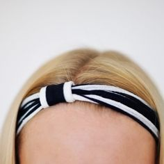 A very easy way to turn your fabric scraps into a pretty headband.