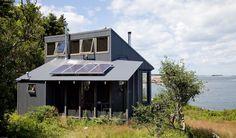 Shed roof + clerestory = yes! MAINE ISLAND RETREAT : Alex Scott Porter Design
