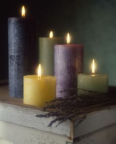 What is a pillar candle? Examples of pillar candles you can make yourself.