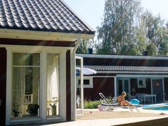 Summer time: sun and bathing times. Feng Shui Design