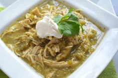 My recipe for Crockpot Chicken Tomatillo soup ✳ Prep time: 10 minutes ✳ Cook time: 4 to 6 hours ✳ Serves: 4  Ingredients: ✔ 6 boneless chicken breasts ✔ 2 red peppers, sliced ✔ 1 red onion, sliced ✔ 2 jalapeños, sliced ✔ 8 ounces mushrooms, sliced ✔ 1 tomato, sliced ✔ 2 cloves of garlic, minced ✔ 1 (12-ounce) jar of tomatillo salsa ✔ 1 tablespoon lemon juice ✔ 1 teaspoon salt ✔ 1 teaspoon pepper ✔ 1 teaspoon orega...