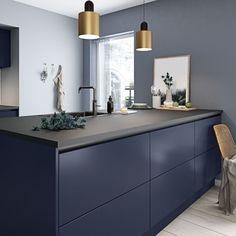Køkkendesign til det moderne liv: Find dine nye køkkenmøbler Bathroom Shelf Decor, Rustic Bathroom Shelves, Modern Farmhouse Bathroom, Kitchen Interior, Kitchen Decor, Minimalist Kitchen, Küchen Design, Cabinet Design, Beautiful Kitchens