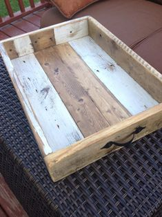 When it pertains to finding out woodworking, there are none lacks of things to learn. As a DIY hobby, woodworking may be among the most gr. Barn Wood Crafts, Reclaimed Wood Projects, Scrap Wood Projects, Easy Small Wood Projects, Wood Projects That Sell, Repurposed Wood, Pallet Tray, Pallet Beds, Wooden Serving Trays