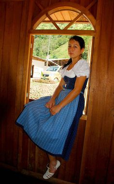 TRAJES TIPICOS DEL PERU Traditional Peruvian Dresses: Festival de Pozuzo (Pasco)