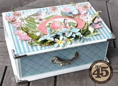 This Botanical Tea Book Box from Susan is just stunning for Spring! #graphic45