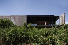Located on the site of an old sawmill, which fell into remission in the late 90s, Sawmill House by Archier is result of a close connection between client and architect; two brothers with a shared vision. Founder of Archier Chris, worked closely with his brother Ben during the design and construction of Sawmill House.