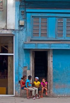 Travel photos of Cuba // I love these candid street shots, but I'm often uncomfortable with or intimidated by photographing strangers. Tropical, Havanna Cuba, City Dance, Viva Cuba, Cuba Travel, Island Nations, Vintage Travel Posters, Beautiful Islands, Havana