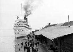 steamship docking, Mackinac Island, 1900