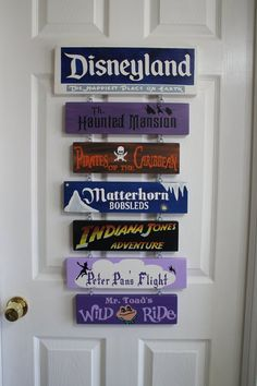 Hand painted DisneyLand sign, completely custom to your favorite rides and attractions. Disneyland Sign, Disney Sign, Disney Wishes, Disney Nerd, Disney Fanatic, Disney Love, Disney Diy Crafts, Disney Home Decor, Disney Decorations