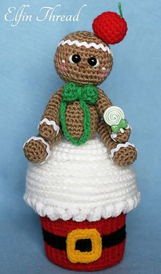This is a pattern to make a Giant Christmas Cupcake With Gingerbread dolls as a cupcake topper or use the dolls and the cupcakes separately. That's two patterns in one!