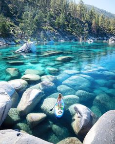 Dies sind die schönsten Seen in den USA, um Ihr Fernweh zu stillen These are the most beautiful lakes in the US to quench your wanderlust – The 17 most beautiful lakes in the US will thrill you MyDomaine Lake Tahoe in California and Nevada – # This Lago Tahoe, Beautiful Places To Travel, Cool Places To Visit, Wonderful Places, Beautiful Scenery, Amazing Things, Beautiful Things, Beautiful Places In California, Beautiful Places In America