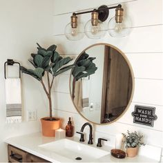 Round Bathroom Mirror, Bathroom Sink Decor, Bathroom Inspo, Small Bathroom Ideas, Cozy Bathroom, Earthy Bathroom, 50s Bathroom, Small Bathroom Inspiration, Garden Bathroom