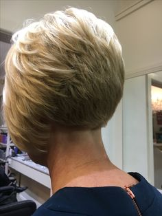 Chic Angled Bob Haircuts You Will Love for 2019 - Page 16 of 28 - Lead Hairstyle.Chic Angled Bob Haircuts You Will Love for 2019 - Page 16 of 28 - Lead Hairstyles Angled Bob Hairstyles, Asymmetrical Bob Haircuts, Stacked Bob Hairstyles, Bob Hairstyles For Fine Hair, Short Pixie Haircuts, Choppy Haircuts, Chic Hairstyles, Thin Hair Cuts, Bobs For Thin Hair