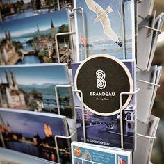 www.brandeau.ch I Souvenirs from Zürich.  •••  #brandeaubottles #wasser #water #wasserflasche #wassertrinken #wassergenuss #stilleswasser #flasche #karaffe #wasserkaraffe #glasflasche #schweizerwasser #tapbottle #tapwater #züriwasser #züri #zürich #zürcherwasser #zurich #zhwelt #visitzurich #visitzürich #souvenir #postcards #postcard #postkarten #postkartenständer