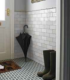 Henley Cool Topps tiles - floor and wall tiles for the kitchen? I also love the pearlised wall tiles. Hall Tiles, Tiled Hallway, Hallway Walls, Hallway Ideas, Hallways, Porch Wall Tiles, Foyers, Dark White, Topps Tiles