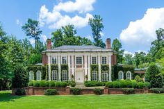 For sale: $5,950,000. Gorgeous light filled traditional home on a quiet cul-de-sac located in Atlanta's prestigious Tuxedo Park. This home sits regally on its gracious 1.36 acre lot. The entire back of the home opens to a flat walk out private backyard with a beautiful pool and fountains. From the 12'-30' ceilings to the custom hardwood and limestone floors, the elegance of the finishes and the quality construction of this home are obvious in every room. Three full finished levels provide…