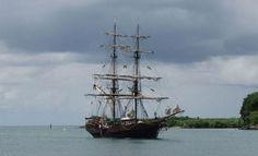 Un vieux gréement du film Pirates des Caraïbes sombre à Sainte Lucie - ActuNautique.com