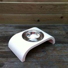 Tasarımcı: Petek Özmez  13 cm çapında. 0,3 lt alır. Elde yıkamaya uygundur. Nemli bezle silinerek temizlenebilir.