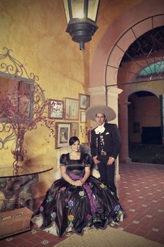 Beautiful Mexican wedding portrait-love it ! Plan My Wedding, Dream Wedding, Wedding Day, Wedding Portraits, Wedding Photos, Mexican Themed Weddings, Country Style Wedding, Charro, Traditional Fashion
