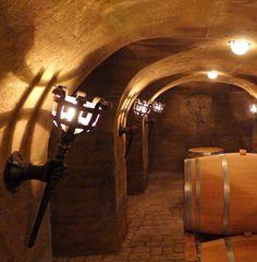 Medieval torch - Image 4 Medieval Furniture, Landscape Structure, Harry Potter Room, Underground Homes, Torch Light, Light Art, Wine Cellar, Middle Ages, Blacksmithing