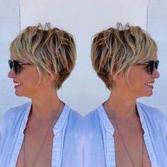 coupe cheveux femme 50 ans courte stylisée avec mousse volume