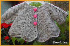 Un gilet pétale gris pour bébé au crochet - Je tricote Tu crochètes