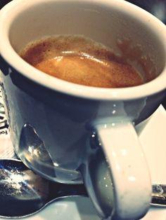 Buenos días!!!! En Clase ahora mismo  Un break en 10 min para Gym y recados y Más Clases Esto está rodando..... :)) ♪♫♪ www.alejandra-toledano.com