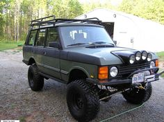 Range Rover Classic.... Beach house or mtn house...this would be perfect