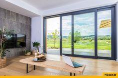 Otwarcie domu na taras to rozwiązanie, którego zalety doceniamy szczególnie latem!