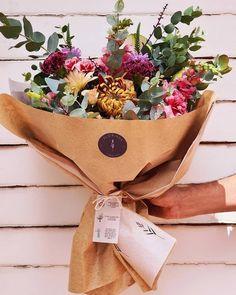 Burlap, Favorite Things, Reusable Tote Bags, Lifestyle, Flowers, Floral Arrangements, Flower Arrangements, The Bell Jar, Flower Shops