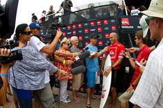 Kelly Slater & past champs into R.48 at Drug Aware Pro, Quicksilver pro  http://www.yuusurf.com