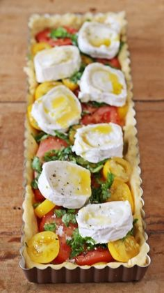 Französische Tomatentarte ist leider nicht so gut gelungen: Boden war matschig durch wässrige Tomaten, hab's aber mit Blätterteig probiert ...